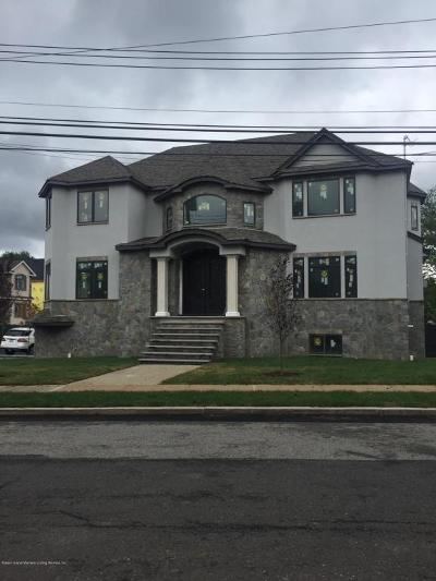 Single Family Home For Sale: 8 Savona Court