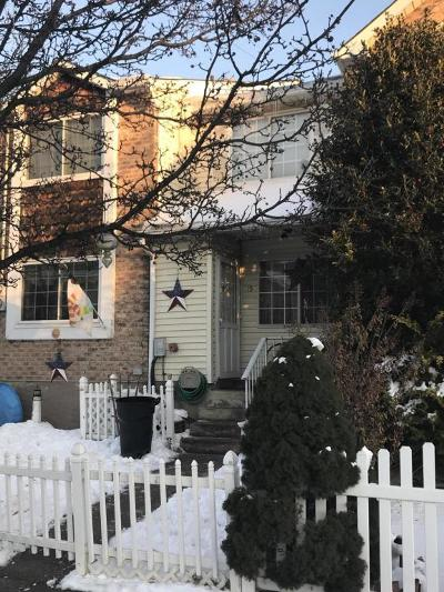 Single Family Home Acceptance: 15 Dreyer Ave
