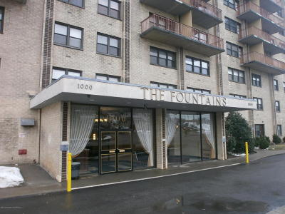 Staten Island Co-op For Sale: 1000 Clove Rd #6h