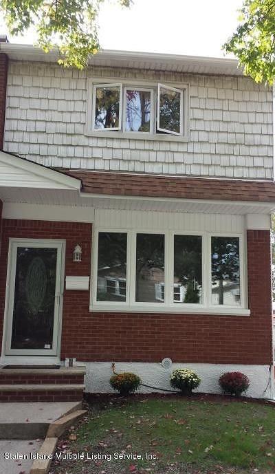Semi-Attached For Sale: 342 Mountainview Avenue