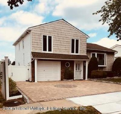 Staten Island NY Single Family Home For Sale: $888,000