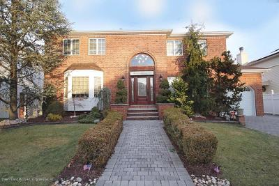 Staten Island Single Family Home For Sale: 129 Finlay Street