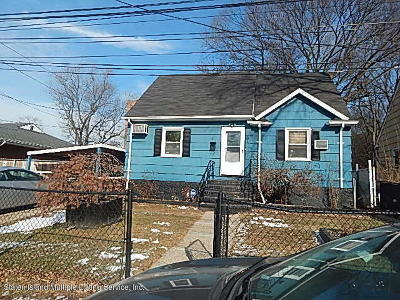 Staten Island NY Single Family Home For Sale: $339,000