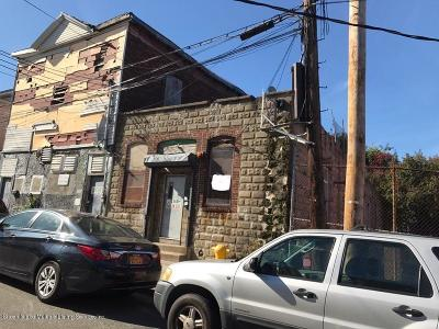 Staten Island NY Commercial For Sale: $400,000