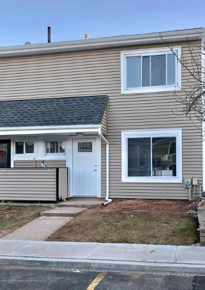 Condo/Townhouse Acceptance: 14 Meadow Court