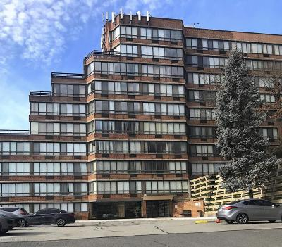 Condo/Townhouse Acceptance: 755 Narrows Road N #403