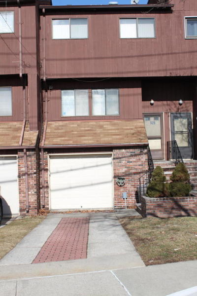 Condo/Townhouse For Sale: 929 W Fingerboard Road