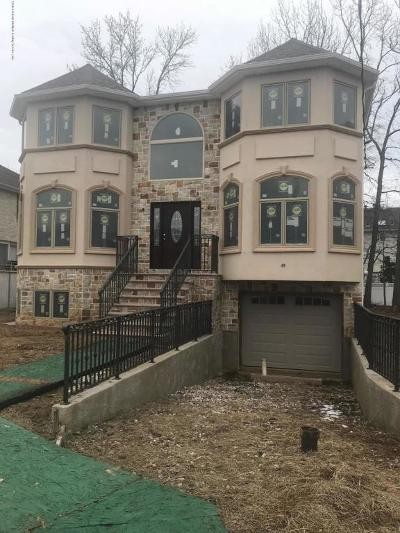 Staten Island Single Family Home For Sale: 7 Tucci Court