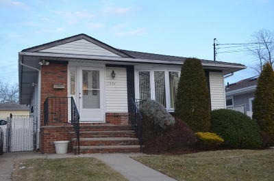 Staten Island NY Single Family Home For Sale: $569,000