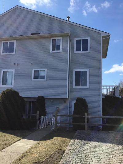 Staten Island NY Single Family Home For Sale: $575,000