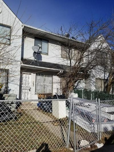 Staten Island Single Family Home For Sale: 188 A Continental Place #A