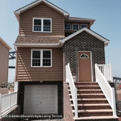 Staten Island Two Family Home For Sale: 32 Openview Lane