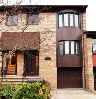 Staten Island NY Condo/Townhouse For Sale: $649,900