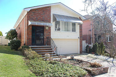 Single Family Home For Sale: 86 Emerson Court