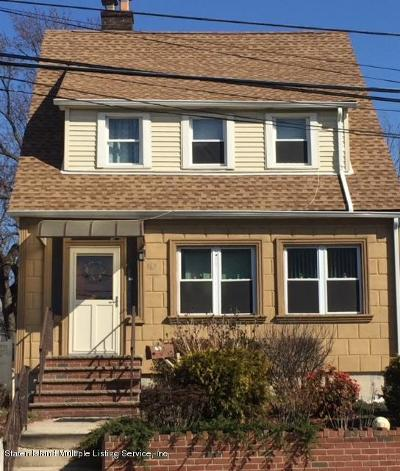 Single Family Home For Sale: 165 Clove Road
