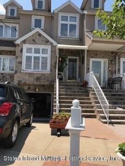 Single Family Home For Sale: 16 Colon Avenue