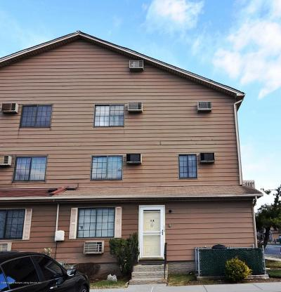 Condo/Townhouse Acceptance: 14 Lamped Loop