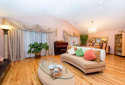 Staten Island Two Family Home For Sale: 323 Naughton Avenue