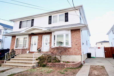 Semi-Attached For Sale: 87 Winfield Street