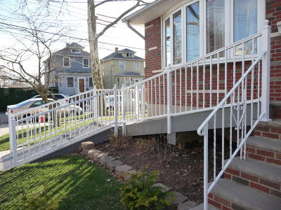 Staten Island Single Family Home For Sale: 42 Oregon Road