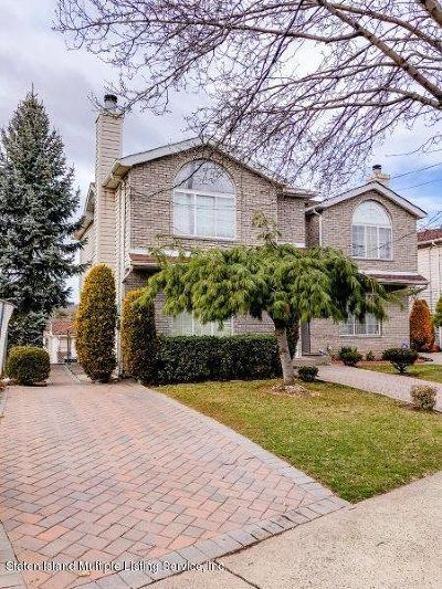 Semi-Attached For Sale: 469 Hylan Boulevard