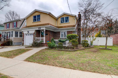 Single Family Home For Sale: 256 Bryant Avenue