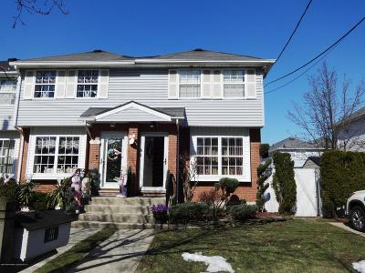 Single Family Home For Sale: 97 Crown Avenue