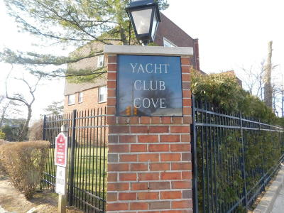 Staten Island Single Family Home For Sale: 35 Yacht Club Cove