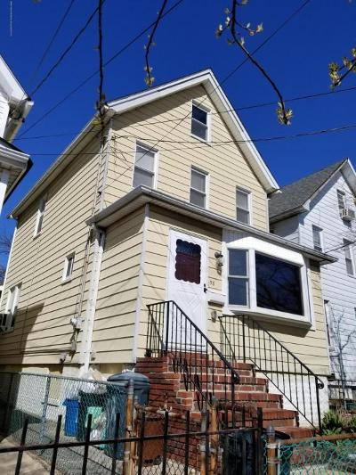 Staten Island Single Family Home For Sale: 58 Maple Parkway