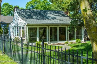 Staten Island Single Family Home For Sale: 105 East Loop Road