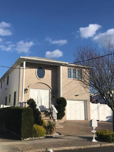 Single Family Home For Sale: 346 Amber Street