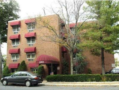 Staten Island Condo/Townhouse Acceptance: 999 Forest Avenue #1 J