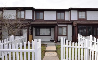Condo/Townhouse Acceptance: 189 Parkview Loop