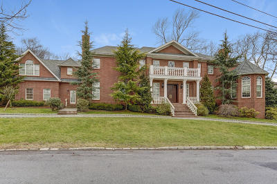 Staten Island Single Family Home For Sale: 32 Circle Road