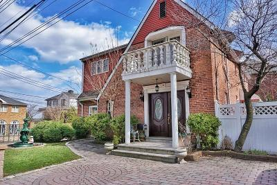 Single Family Home For Sale: 82 Harborview Place