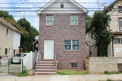 Staten Island Single Family Home For Sale: 227 Clove Road