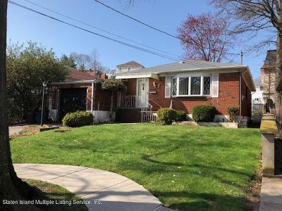 Single Family Home For Sale: 7 Spring Street