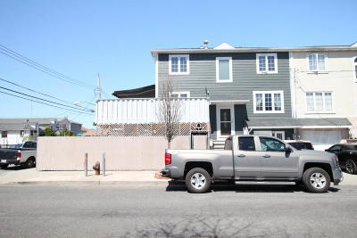 Staten Island Single Family Home For Sale: 133 Baden Place
