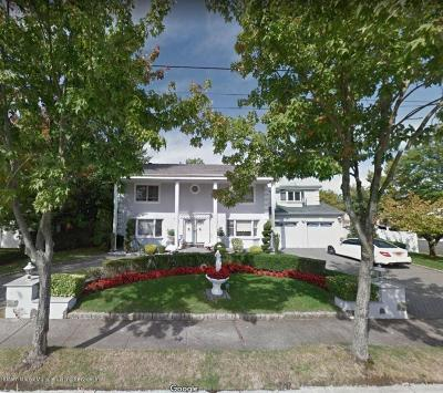 Staten Island Single Family Home For Sale: 585 Lamont Avenue