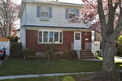 Staten Island NY Single Family Home For Sale: $698,888