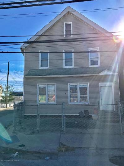 Staten Island Multi Family Home For Sale: 3954 Victory Boulevard