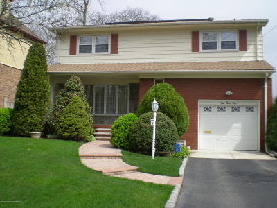 Staten Island NY Single Family Home For Sale: $849,999