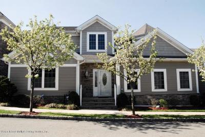 Single Family Home For Sale: 38 Tides Lane