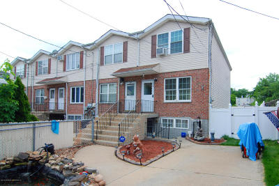 Semi-Attached For Sale: 239 St Marys Avenue