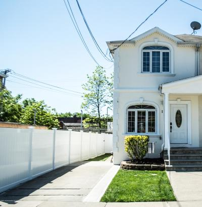 Semi-Attached For Sale: 12 Station Avenue