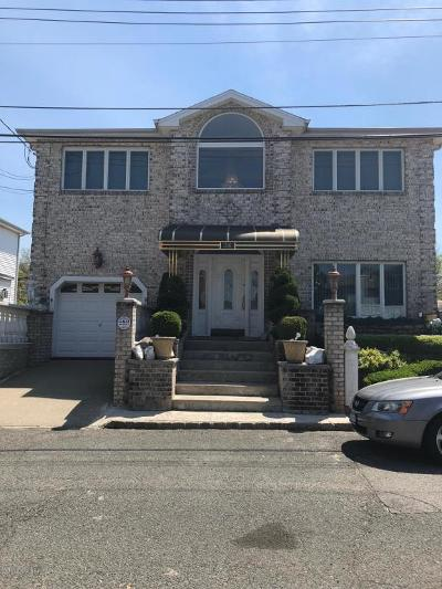 Two Family Home For Sale: 36 Bayview Lane