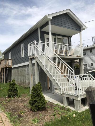Single Family Home For Sale: 111 Hett Avenue