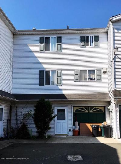 Single Family Home Acceptance: 26 Vienna Court