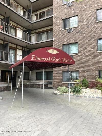 Condo/Townhouse For Sale: 2 Elmwood Park Drive #304