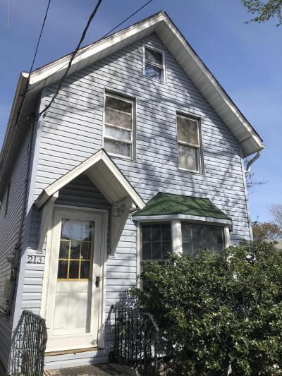 Single Family Home For Sale: 213 Union Avenue
